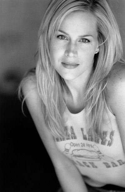 Julie Benz.jpg